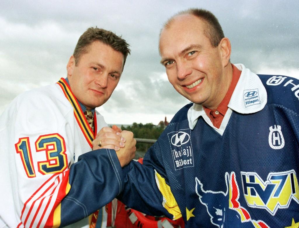 Sune Bergman ( t h) gjorde succé i Pantern på 1990-talet. Vann sedan SM-guld med HV71. Till vänster syns Panterns nuvarande tränare Stephan Lundh. Då var han i Djurgården. Foto: Bildbyrån