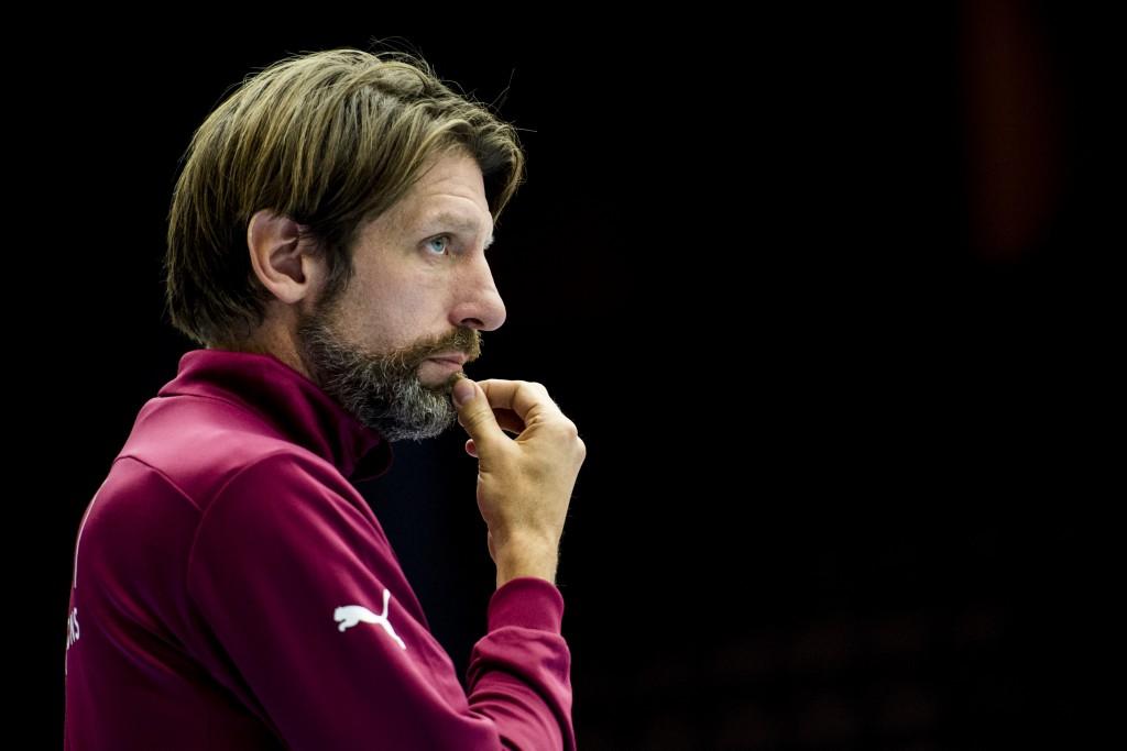 Tomas Axnér svarar på våra tränarfrågpr. Foto: Bildbyrån