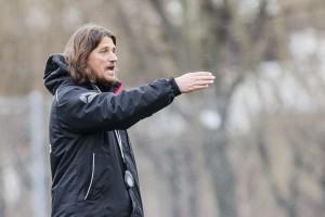 Landskronas träŠnare Agim Sopi under Landskrona BoIS fotbollsträŠning. Foto: Bildbyrån