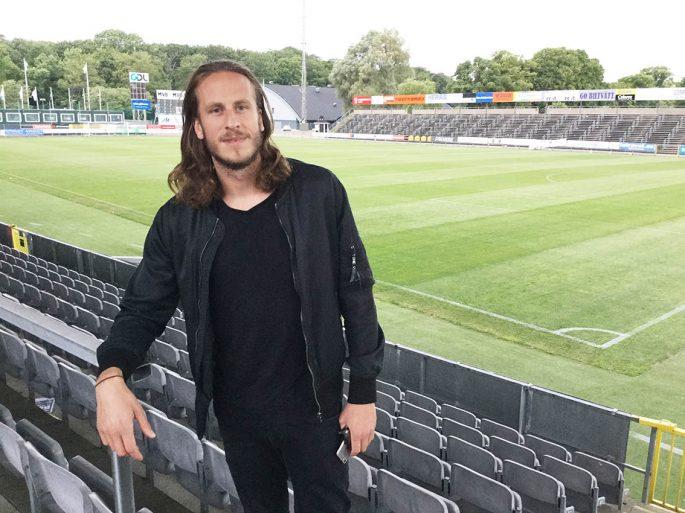 Jonas Olsson är för bitter för att se fotbolls-EM i Frankrike. Och en semester i Landskrona är det ändå inte mycket som slår... Foto: Christoffer Ekmark