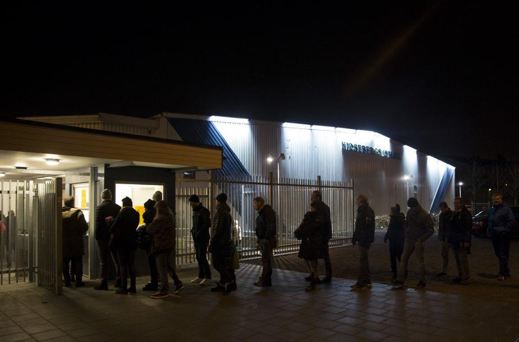 150107 Kirseberg ishall och publik tillstršmningen under ishockeymatchen i AllEttan mellan Pantern och Troja/Ljungby den 7 januari 2015 i Malmš Foto: Emil Malmborg / BILDBYRN / Cop NR 125