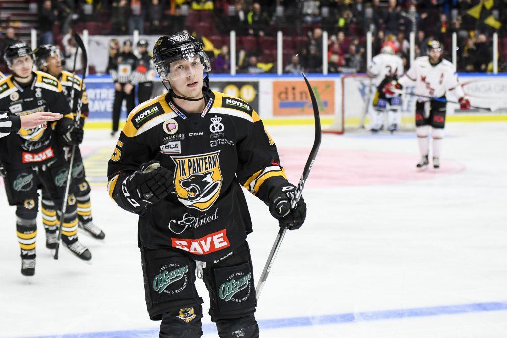170129 Panterns Alex Wemmenborn jublar efter 3-2 under en ishockeymatch i Hockeyallsvenskan mellan Pantern och Modo den 29 januari 2017 i Malmš. Foto: Anders Bjurš / BILDBYRN / Cop 145