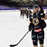 170222 Panterns Dennis Svensson jublar efter 1-1 under ishockeymatchen i Hockeyallsvenskan mellan Pantern och Oskarshamn den 22 februari 2017 i Malmš. Foto: Petter Arvidson / BILDBYRN / kod PA / 91716