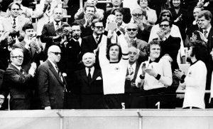 Franz Beckenbauer efter VM-guldet 1974.
