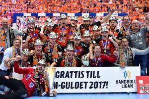 170527 Kristianstads spelare jublar efter att de vunnit SM-finalen i Handbollsligan mellan Kristianstad och AlingsŒs den 27 maj 2017 i Malmš. Foto: Ludvig Thunman / BILDBYRN / kod LT / 35334