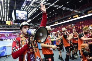 170527 Kristianstads mŒlvakt Nebojsa Simic jublar efter att de vunnit SM-finalen i Handbollsligan mellan Kristianstad och AlingsŒs den 27 maj 2017 i Malmš. Foto: Ludvig Thunman / BILDBYRN / kod LT / 35334