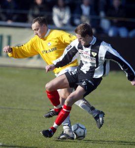 2003 och Marcus Svensson rev runt i IFK Malmös försvar i Superettan.