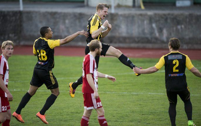 160503 IFK HŠssleholms Filip Ranmo har gjort 0-1 och jublar i matchen i division 2 mellan Nybro och IFK HŠssleholm i Nybro 3 maj 2016. Foto: Lennart MŒnsson / BILDBYRN  / kod LM / 64890