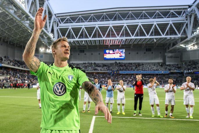 170807 Malmš FFs mŒlvakt Johan Dahlin jublar efter fotbollsmatchen i Allsvenskan mellan DjurgŒrden och Malmš FF den 7 augusti 2017 i Stockholm. Foto: Simon HastegŒrd / BildbyrŒn / Cop 118