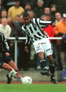 Maj 1999. Issa Manglind i Landskrona BoIS tröja. © BildbyrŒn - 23251