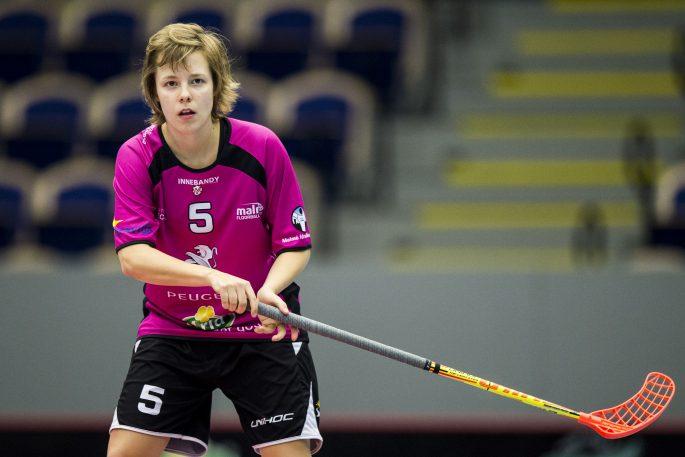 160109 Malmš FBCs Karin Sturesson under en innebandymatch i Svenska superligan mellan Malmš FBC och Lund den 9 januari 2016 i Malmš. Foto: Petter Arvidson / BILDBYRN / kod PA / 91300