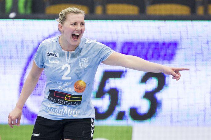 170429 H65 Hššrs Anna Johansson under handbollsmatchen i SM-semifinal 1 mellan Lugi och H65 Hššr den 29  april 2017 i Lund.  Foto: Mathilda Ahlberg / BILDBYRN / Cop 178