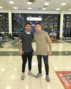 Furkan Motori och Saber Azizi på väg till Afghanistans ladslagssamling.